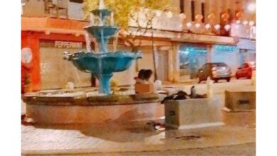 Photo of couple skinny-dipping in fountain goes viral, probe underway. A picture of a couple apparently skinny-dipping at a fountain in the city's popular