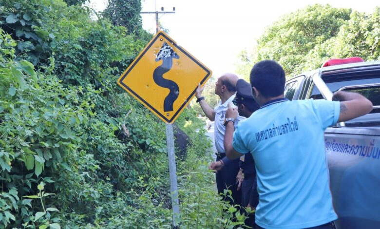 Police, mayor target people taking potshots at road signs in Rawai. Rawai's mayor is considering further legal action after many road signs around the