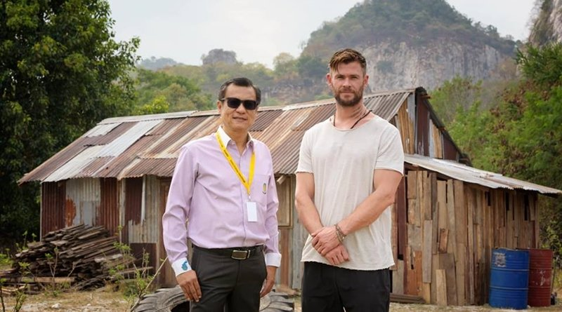 Ratchaburi governor meets Chris Hemsworth. The Ratchaburi governor has met Chris Hemsworth as the famous actor travels to Thailand for with the