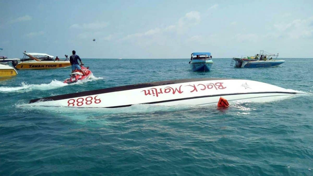 23 Chinese tourists rescued off Koh Samet