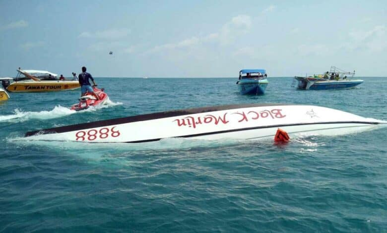 23 Chinese tourists rescued off Koh Samet. In the latest of a spate of boat incidents, another speedboat has capsized off Koh Samet in Rayong province