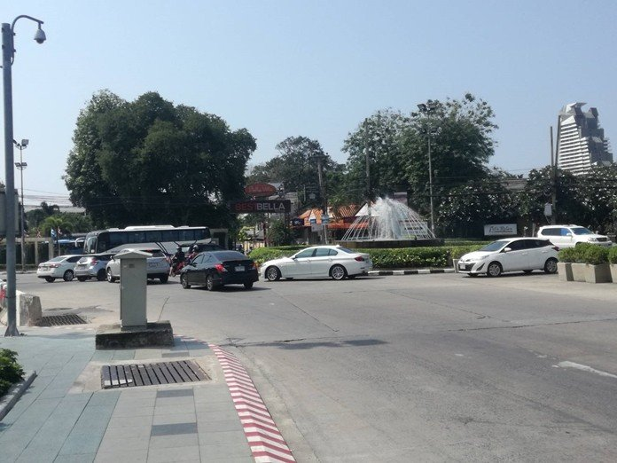 After years of being crippled, Pattaya's Dolphin Roundabout has been restored to its original