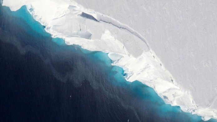 Huge Cavity in Antarctic Glacier Signals Rapid Decay. An undated handout photo made available by the NASA on 30 January 2019 shows an aerial view on