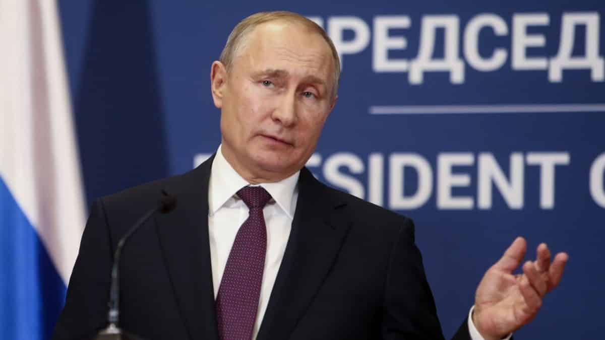 Russia suspends nuclear missile treaty after US move