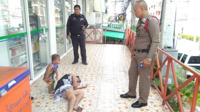 Toddler with passed out drunk mother in front of Jomtien Family Mart causes social media concern. A picture of a toddler with her drunk mother caused