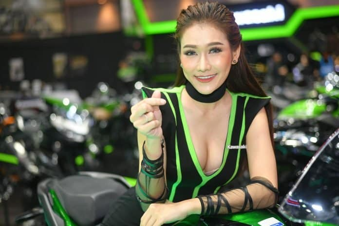 ARE SEXY PRETTIES RETURNING TO MOTOR SHOWS?