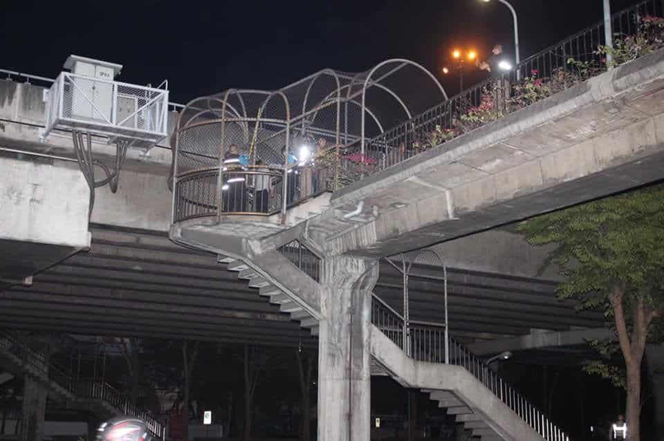 Man found hanged at Bangkok pedestrian bridge