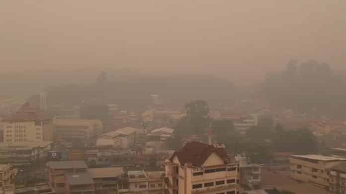 NORTHERN UNIVERSITY CANCELS CLASSES DUE TO SMOG. A university in Chiang Rai province said its students will be dismissed for two days as