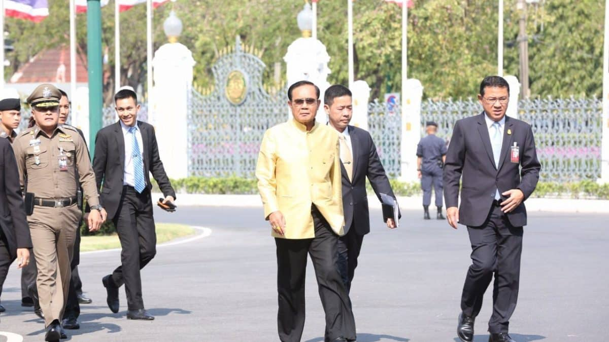 PM Prayut shows up late for work but refuses to answer questions