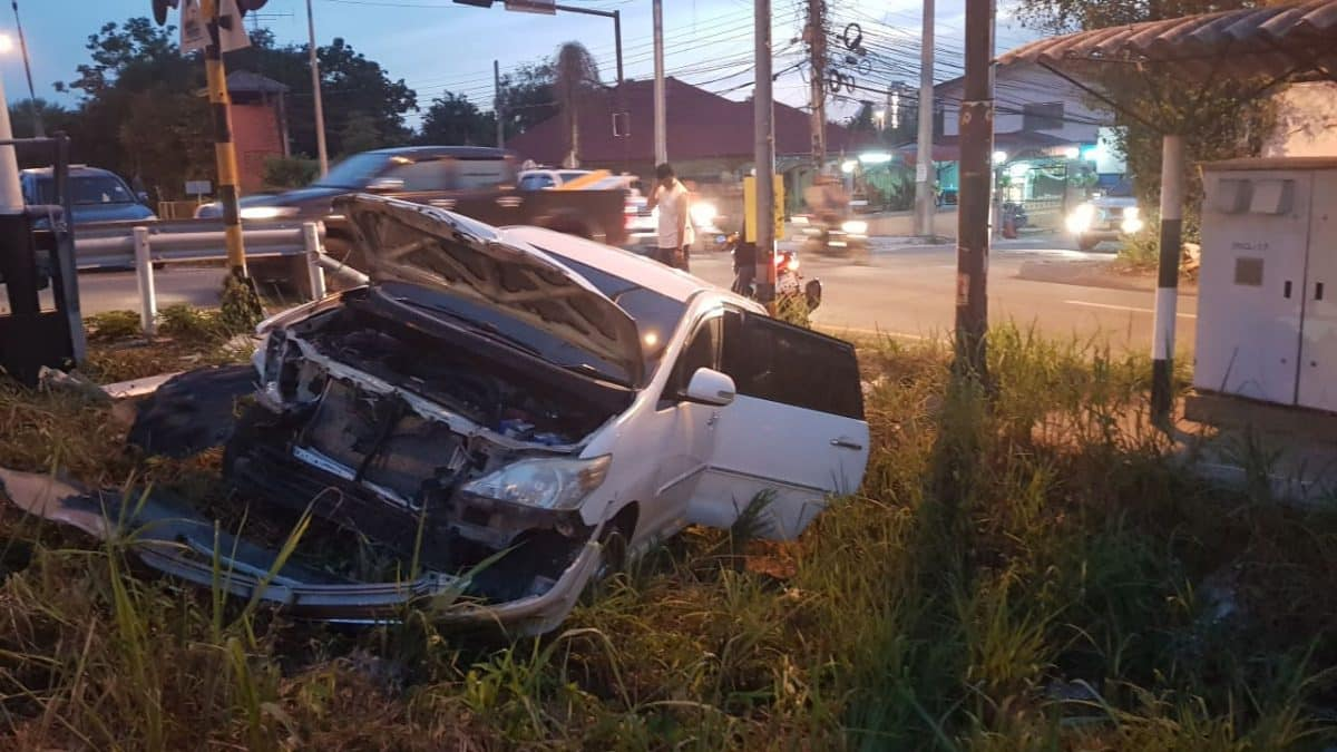 Darkside: yet another crash, this time not fatal, thank god…PHOTOS