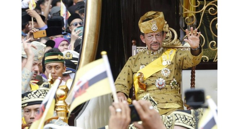 "Brunei sultan calls for 'stronger' Islamic teachings, as sharia laws due to enter force. Bandar Seri Begawan, Brunei - Brunei's sultan called for ""stronger"""