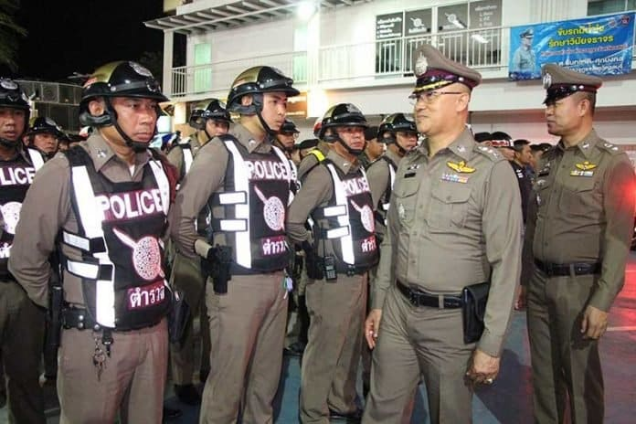 City Police Officials inspect Soi 6, Central Pattaya bars for violations, find none. Pattaya police chief Pol Col. Prawit Chorseng toured Soi 6 in the heart