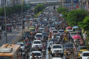 HOW TO CHECK FOR SONGKRAN TRAFFIC, REAL-TIME  Avoid water-soaked, hellish Songkran traffic by checking in to real-time maps.