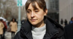 'Smallville' actress pleads guilty in sex cult case US actress Allison Mack pleaded guilty Monday to racketeering after recruiting women to a cult-like