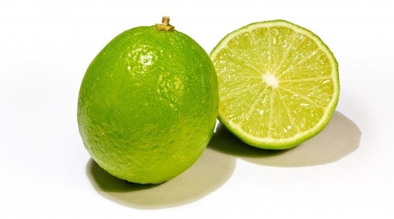 Stock up the limes, prices will rise to 150 THB per kilo this hot season. In Thailand during the arrival of the hot season, limes will rise up in price as