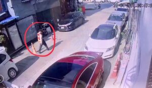 Suspect at large after pregnant Bangkok woman beaten to death Bangkok police are looking for a man allegedly driven by jealousy to kill his pregnant