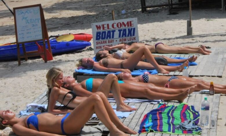 Thailand summer heatwave set to continue Thailand's summer heatwave will continue to be hotter than the same period last year, according to the