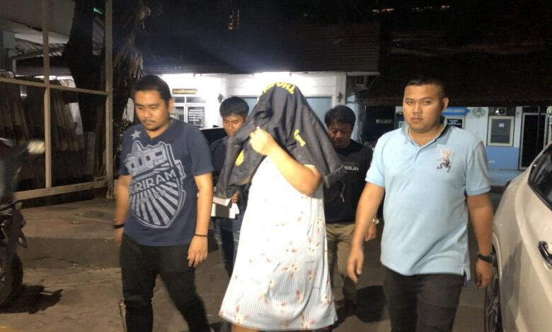 """Woman arrested over assault on actress's friend A woman who was allegedly paid Bt100,000 to assault Thai actress Arisara """"Due"""" Thongborisut's"""