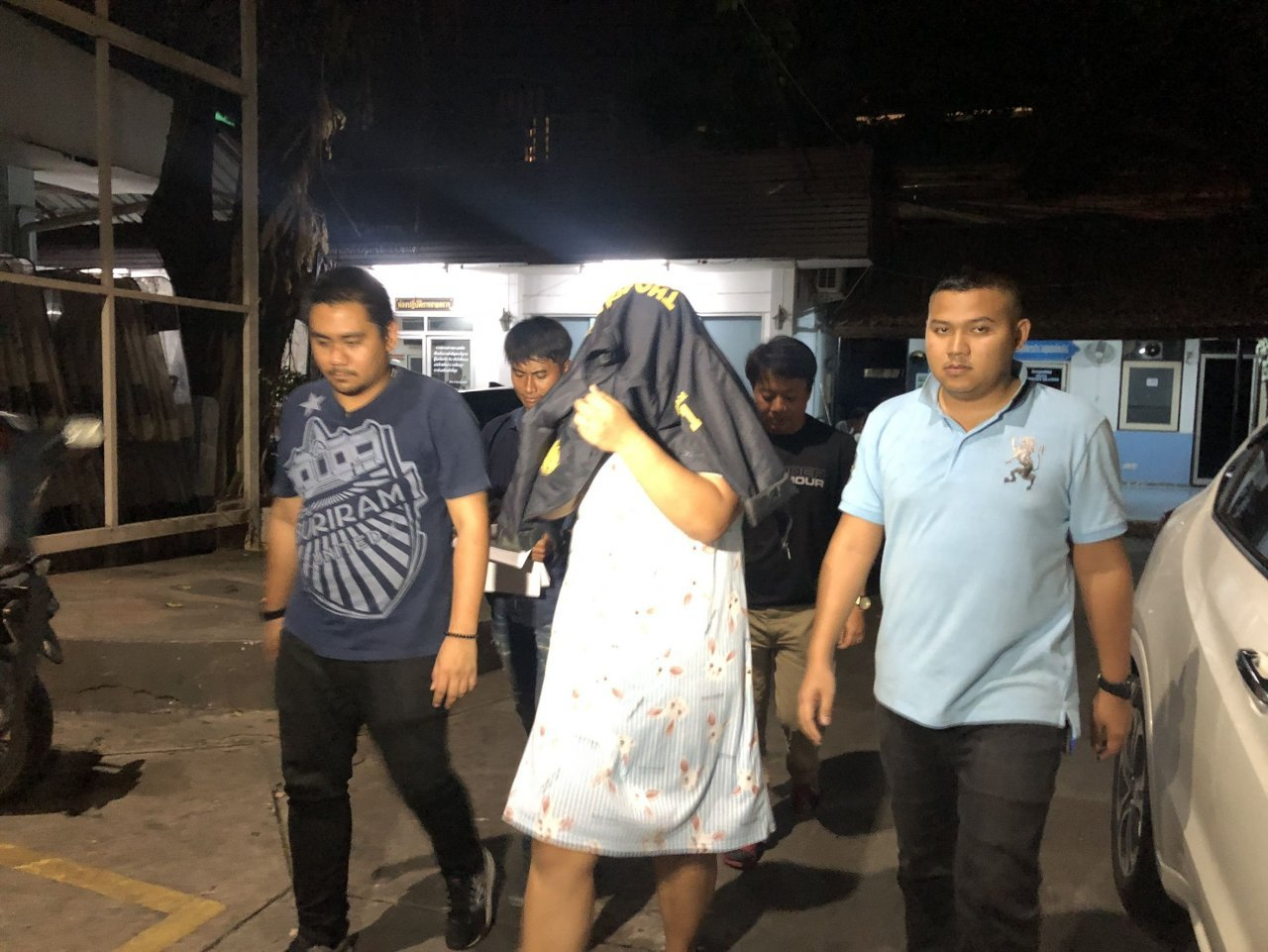 Woman arrested over assault on actress's friend A woman who was allegedly paid Bt100,000 to assault Thai actress Arisara