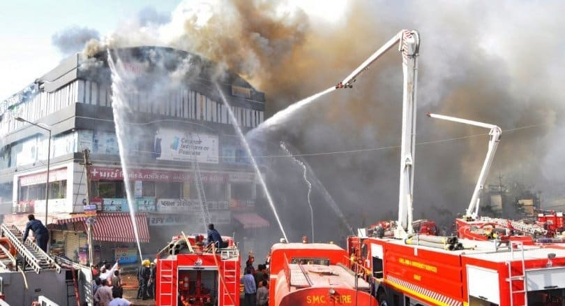 At least 15 students die in India fire