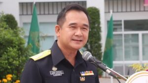 Customs implements technology to ensure tax payments. Customs Department Director General Krisada Chinavicharana revealed this week that his department