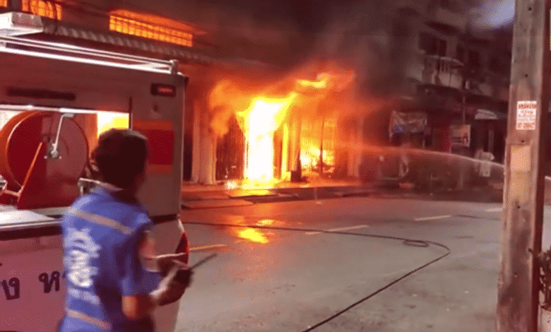 Fire damages Hat Yai bakery. A fire swept through a large, well-known bakery in Songkhla's Hat Yai district early Monday, police said.