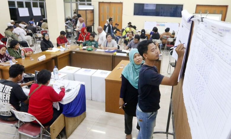 Old age, poor health caused deaths of poll administrators: Govt. The Health Ministry has announced that a majority of the more than 100 local poll.