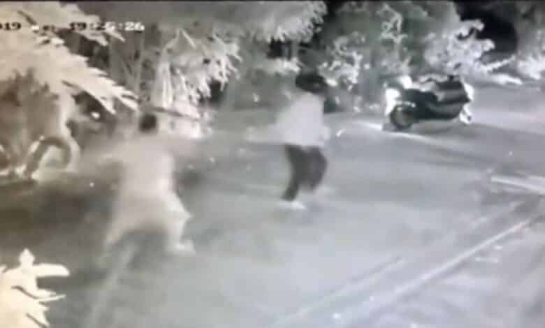 Ping-pong bombs hurled as Samut Prakan youths clash. Samut Prakan police responded to a confrontation between rival gangs on Thursday night and