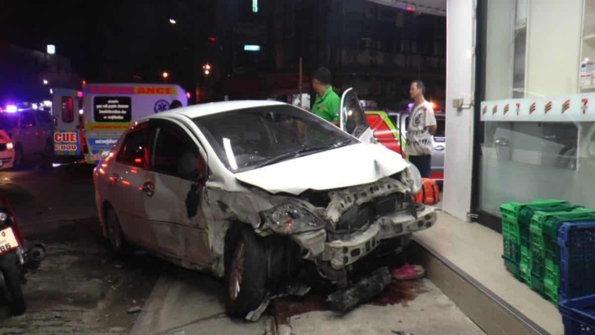 Three injured as sedans collide in Rayong