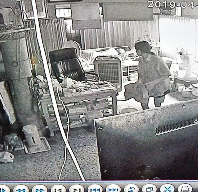 Unidentified Women steals 35,000 baht from Jomtien Buddhist Temple while monks are resting