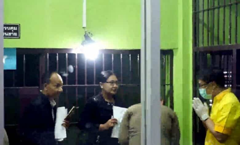 Chumphon drug suspect hangs himself in cell. A drug suspect, who was re-arrested this week nine months after his release, hanged himself inside