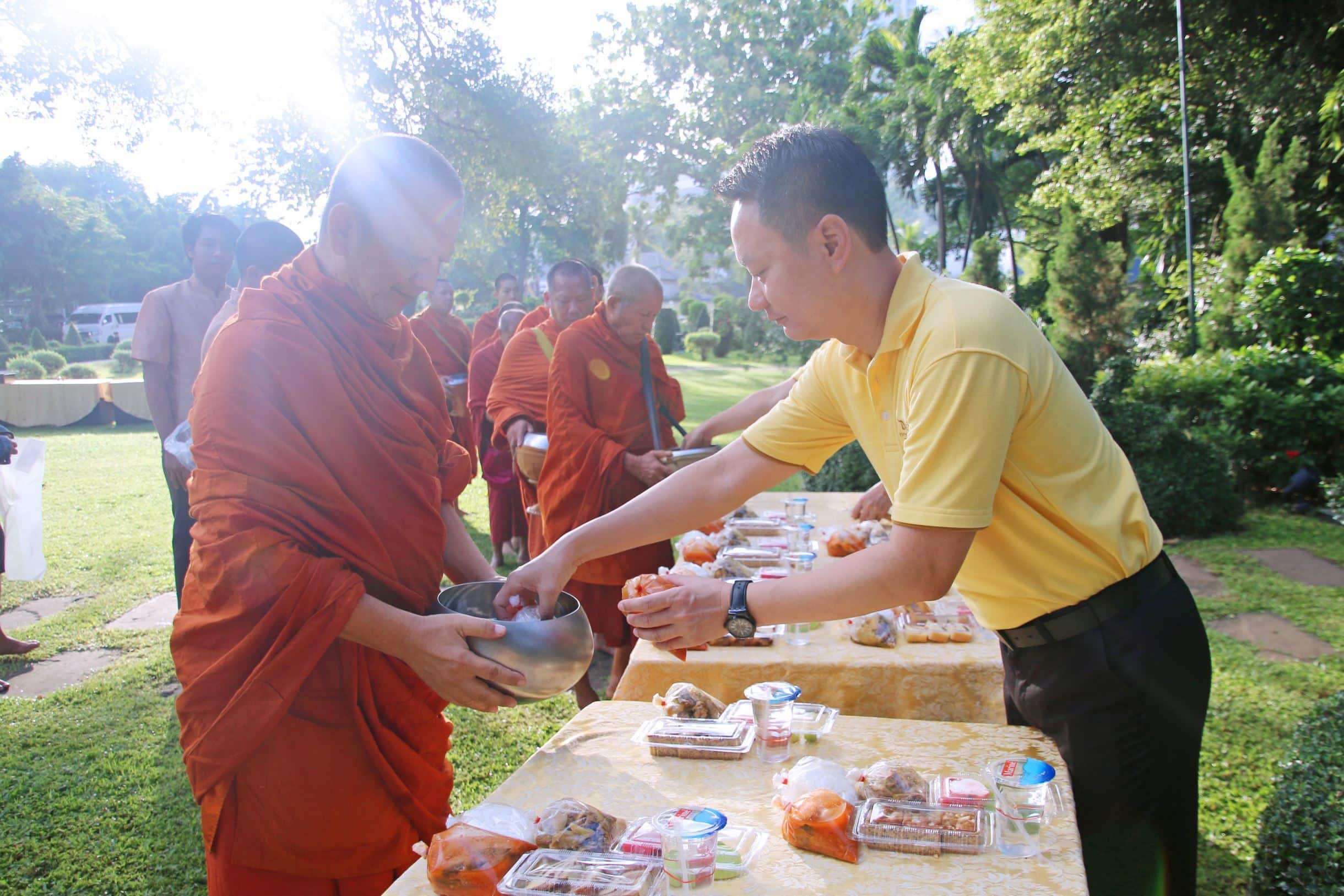 dusit pattaya, dusit thani, hotel, monks, queen, birthday, ceremony