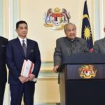Dr M: I don't know anything about sex video purportedly involving minister. Tun Dr Mahathir Mohamad has denied the knowledge of the cabinet minister.
