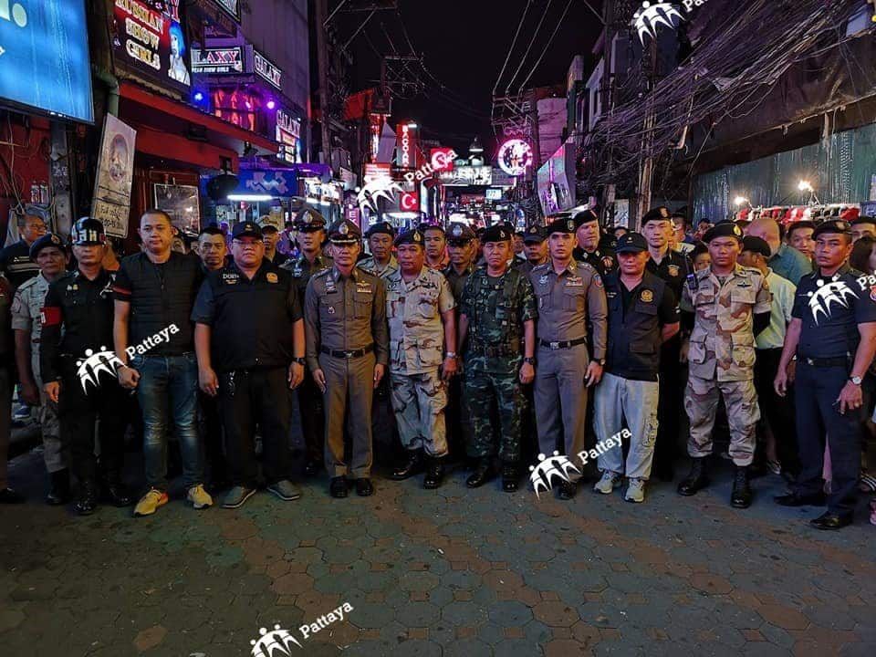 Large police and army contingent inspect Walking Street - no prostitution found! Pattaya's finest have once again been unable to find any evidence