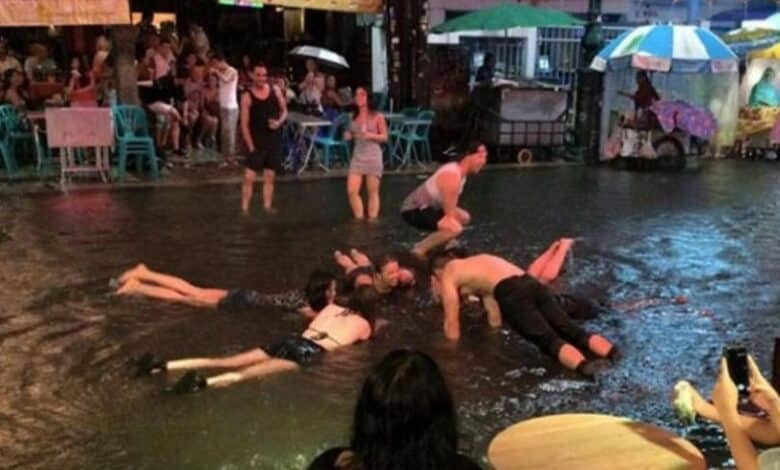 Tourists warned of KILLER BACTERIA in Thailand floodwater. Tourists have been warned about a deadly curly-shaped bacteria spreading across Thailand