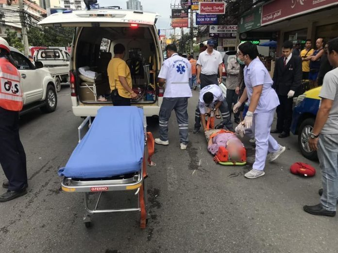 Foreign tourist hit by motorbike crossing Second Road near Central Festival Mall