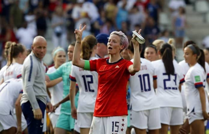 United States'Megan Rapinoe celebrates at the end of the Women's World Cup round of 16 soccer match between Spain and US at the Stade Auguste-Delaune in Reims, France, Monday, June 24, 2019. US beat Spain 2-1. Photo: Alessandra Tarantino / AP