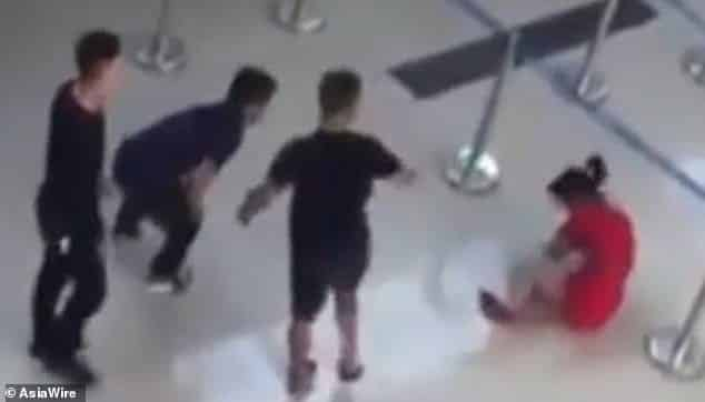 Video: Jailed for kicking Vietnam airline worker to the ground