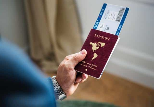 6 foreign men caught with fake passports