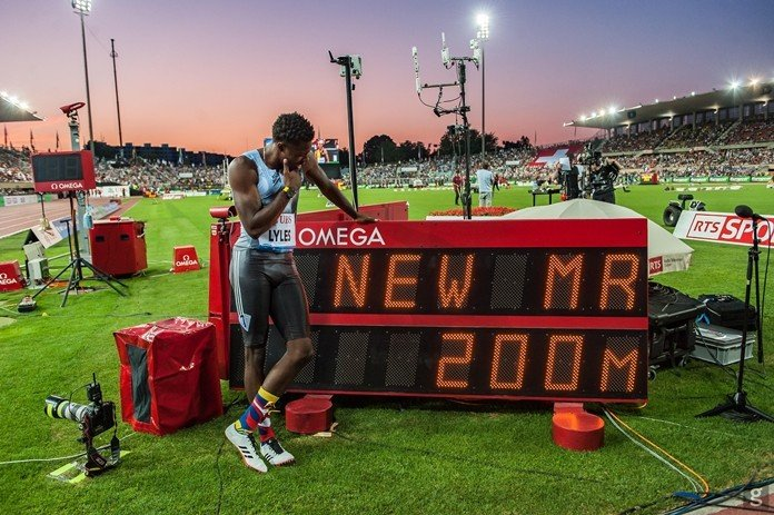 Noah Lyles runs 19.50 in 200 meters, 4th best time ever