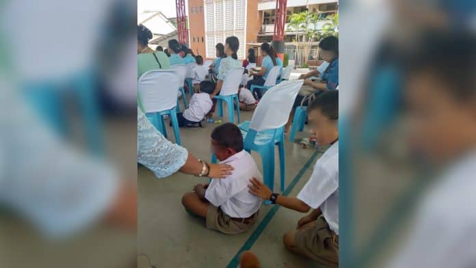 Thais Divided Over Banning Mother's Day School Festivities