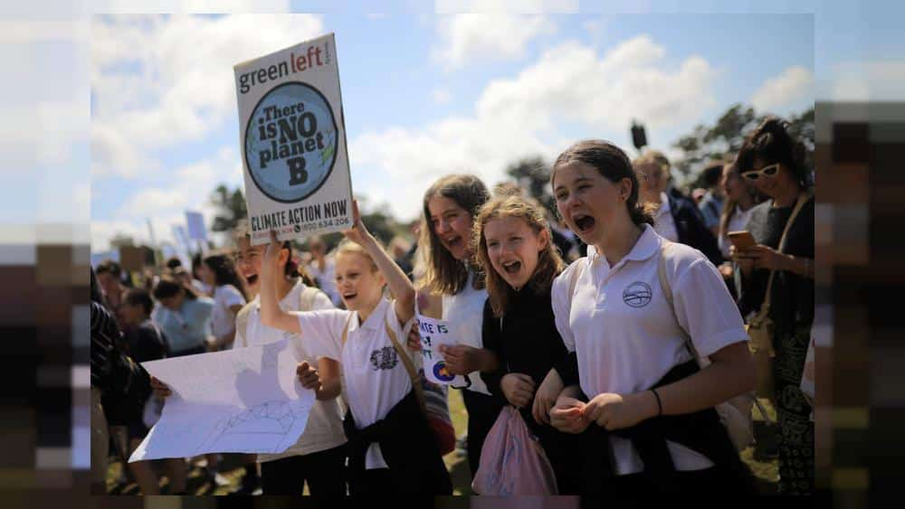 Australian students kick off global climate strike with message for government: Do your job