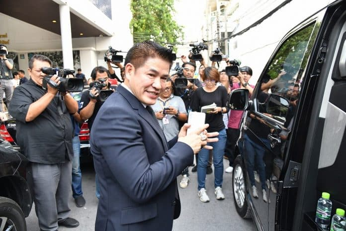 Thammanat Calls Off Lawsuit Against Rival Who Branded Him 'Drug Convict'