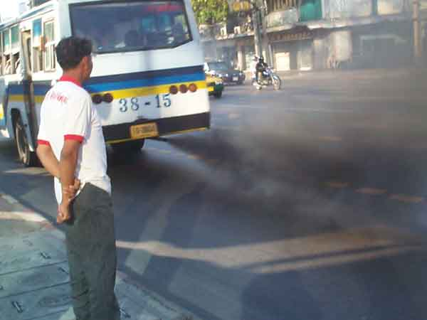 Drivers of polluting vehicles will be arrested, warns Prayut