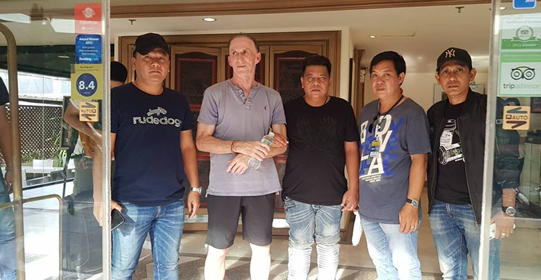 Foreigner arrested after robbing Currency Exchange Counter.