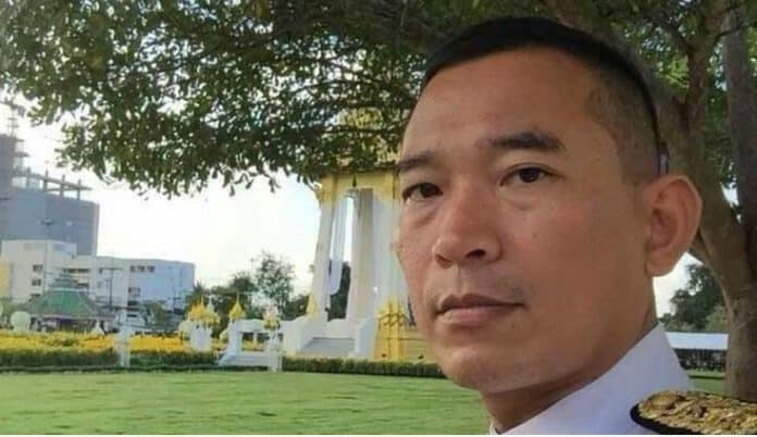 Judge shoots self in Thai court after changing verdict