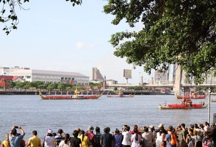 Royal Barge Rehearsal Was a Truly Majestic Exercise