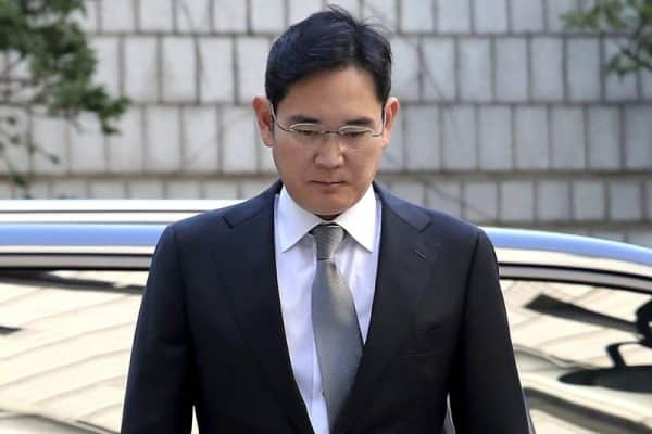Samsung heir Lee appears in court for corruption retrial
