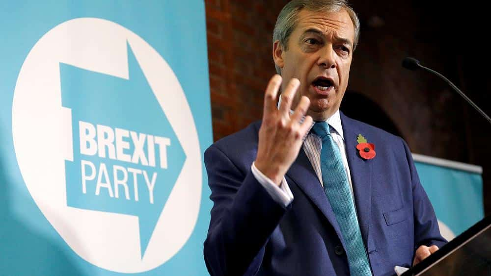 Brexit Party's Nigel Farage offers election alliance to Tories if they drop divorce deal with EU