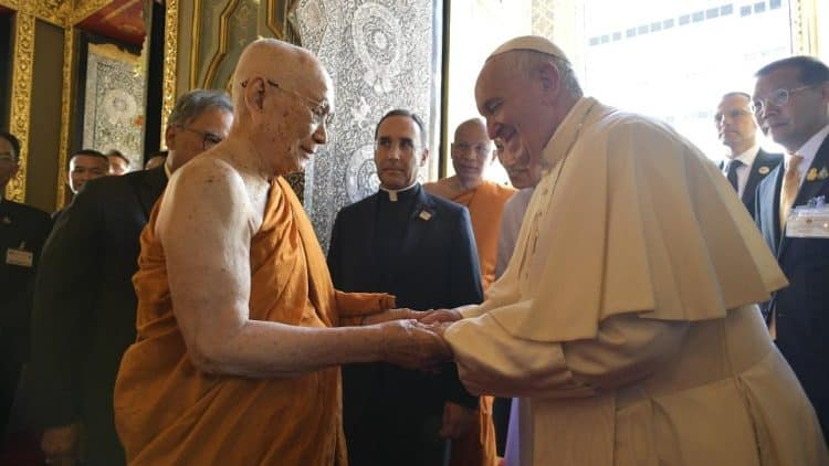 """Catholics and Buddhists can live as """"good neighbours"""" – Pope Francis"""
